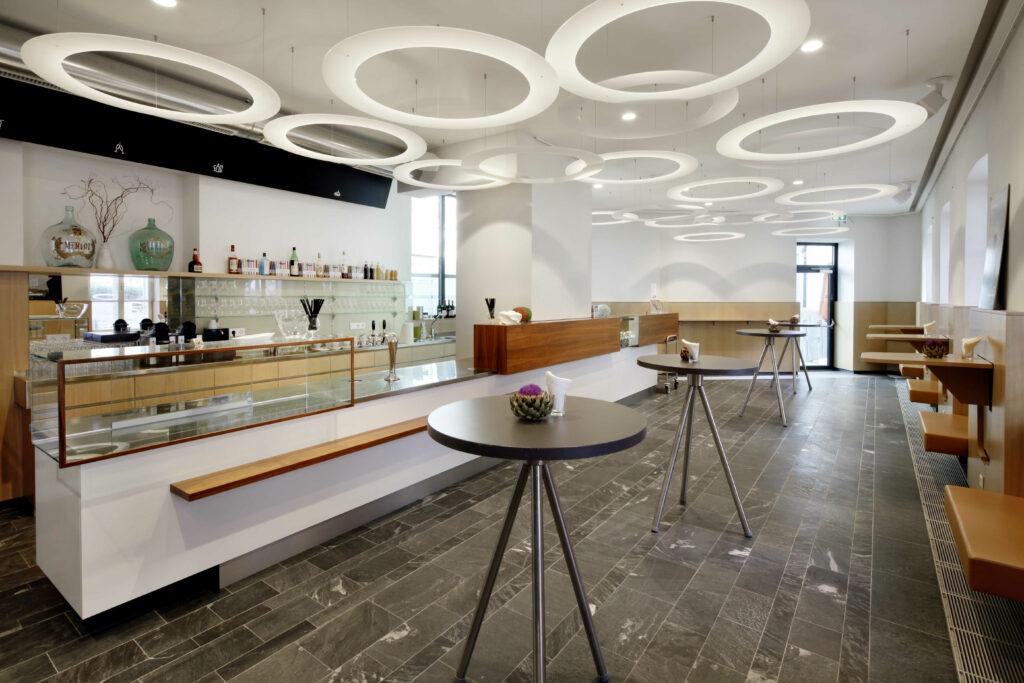 Café Maximilian, Foto: Helmut Karl Lackner